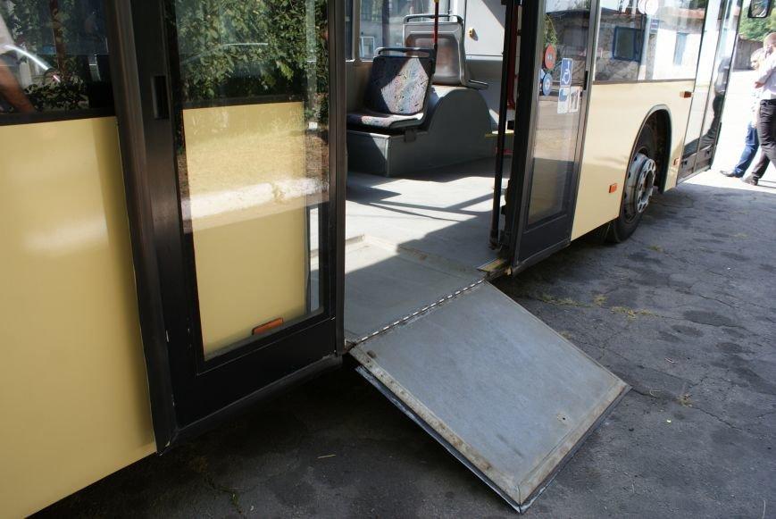В Каменском презентовали новые автобусы большой вместимости, фото-3