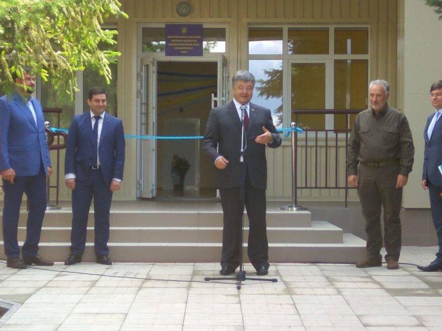 Президент  Порошенко  открыл детский сад в Мангуше (ФОТО), фото-1