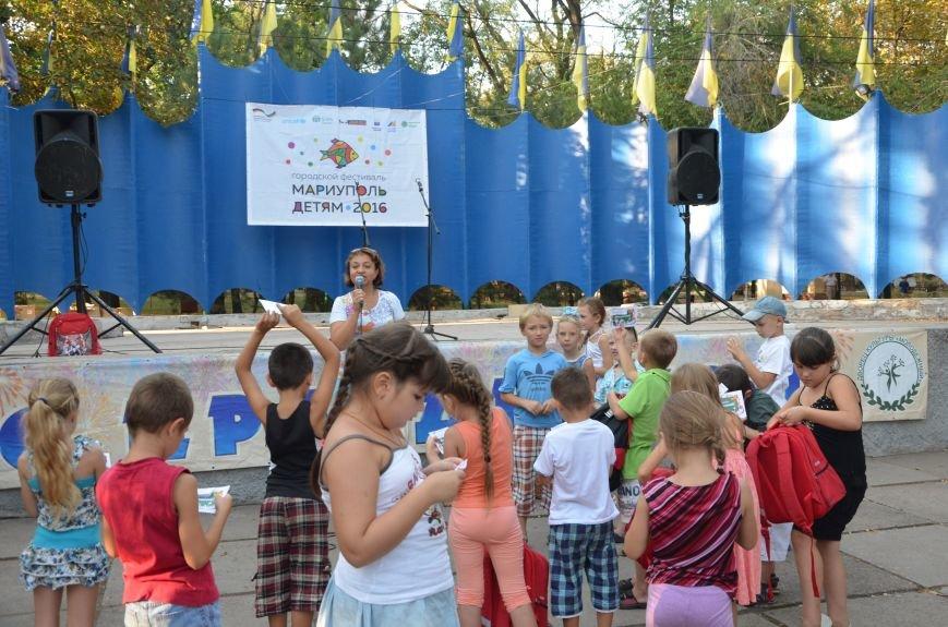 Как переселенцы в Мариуполе детей в школу собирали (ВИДЕО), фото-4