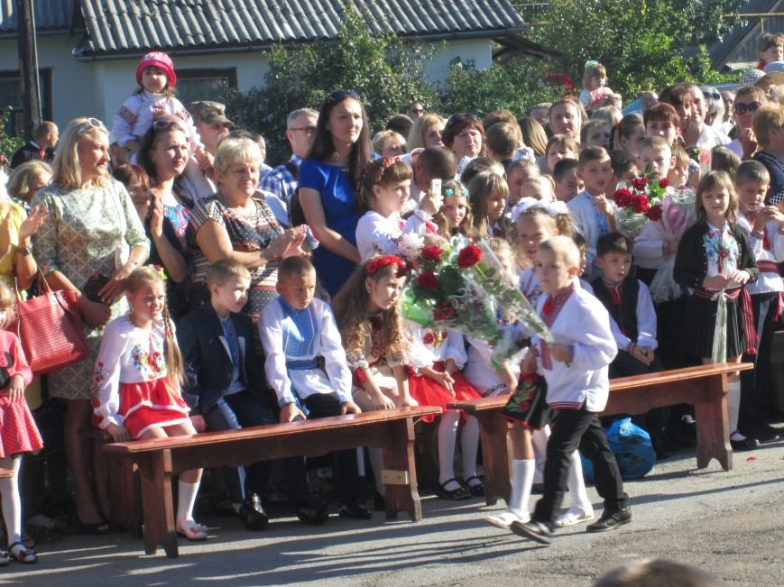 У Новограді-Волинському пролунали перші дзвоники, фото-4