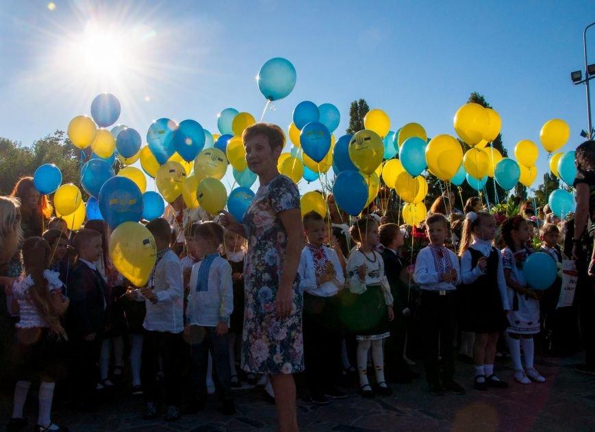 Сегодня Кременчугский лицей №4 отмечает Праздник первого звонка и своё 25-летие (фото и видео), фото-2
