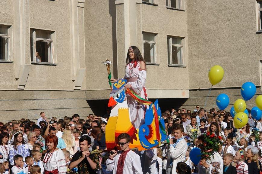 Свято першого дзвоника у 23 школі. Фоторепортаж, фото-12