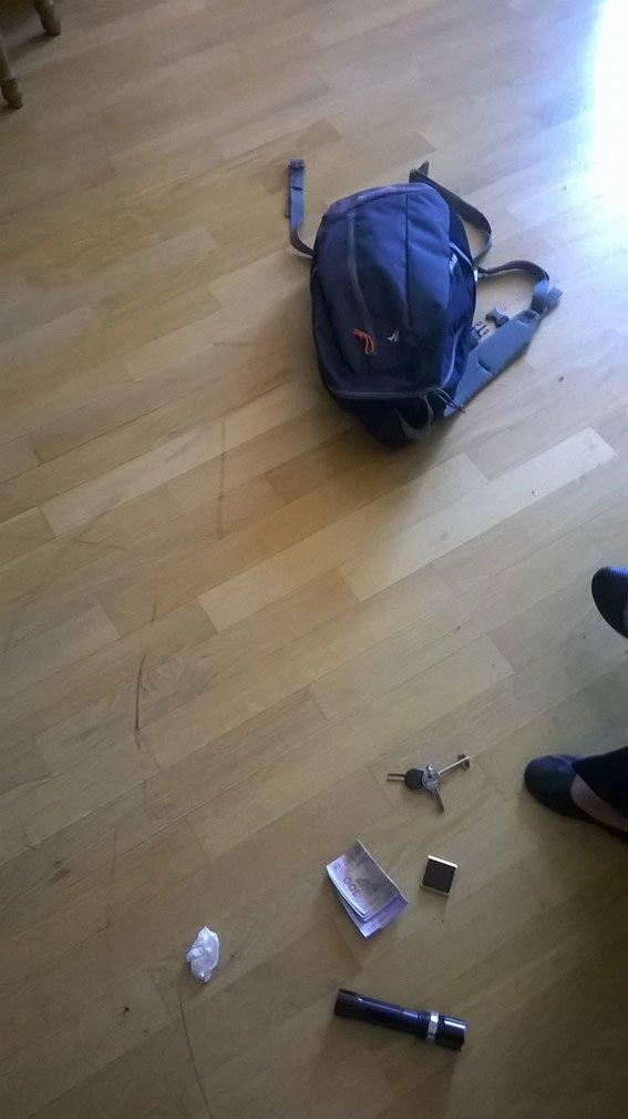 На Львівщині затримали зловмисника, який заховався від правоохоронців у дивані (ФОТО), фото-1