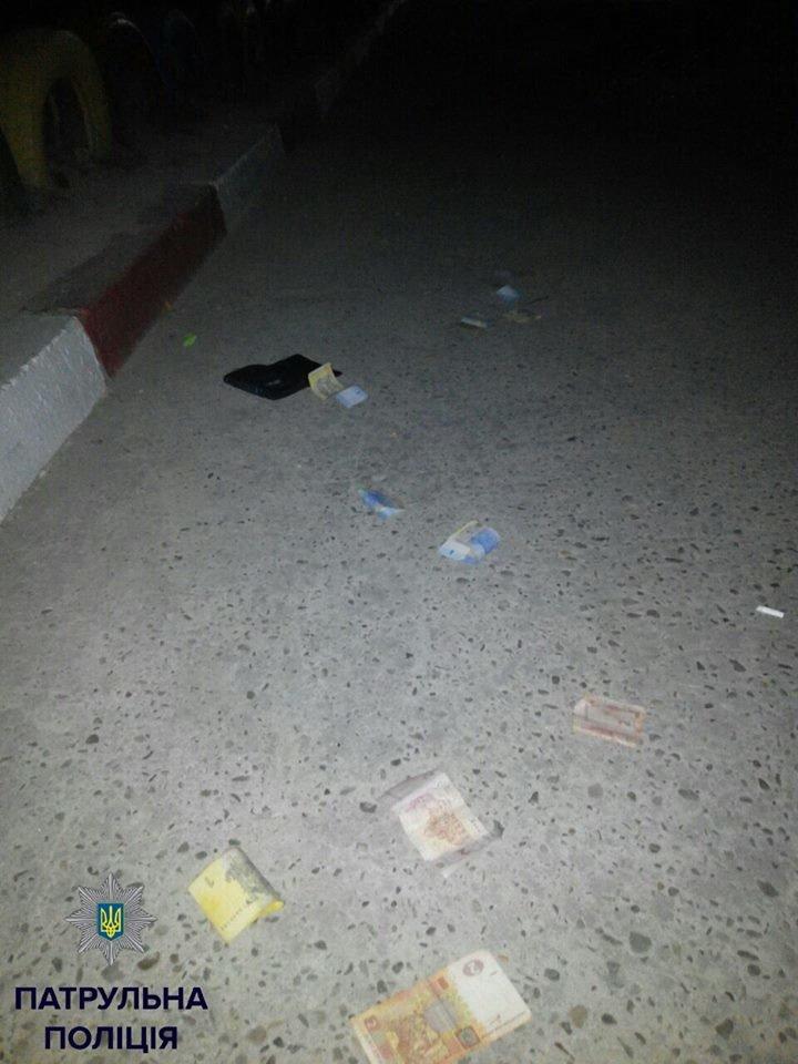 У Івано-Франківську невідомі побили та пограбували чоловіка, фото-2