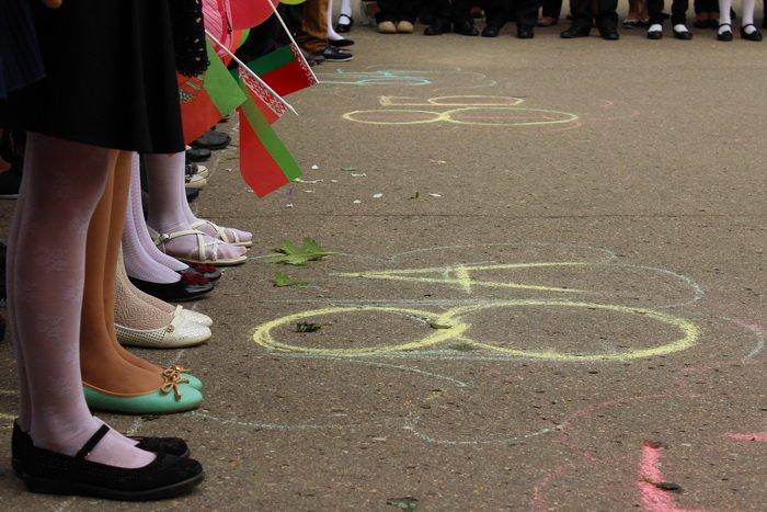 «Уроки добра» вместо роскошных букетов. Как в День знаний витебские школьники собирали деньги на лечение больной раком девочки?, фото-4