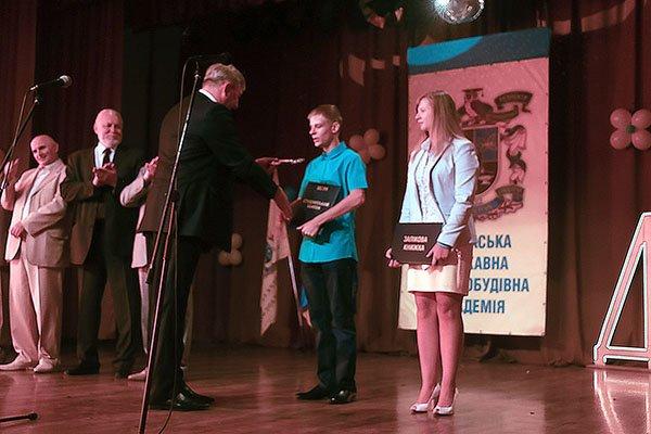 В Краматорске в ДГМА поздравили первокурсников, фото-2