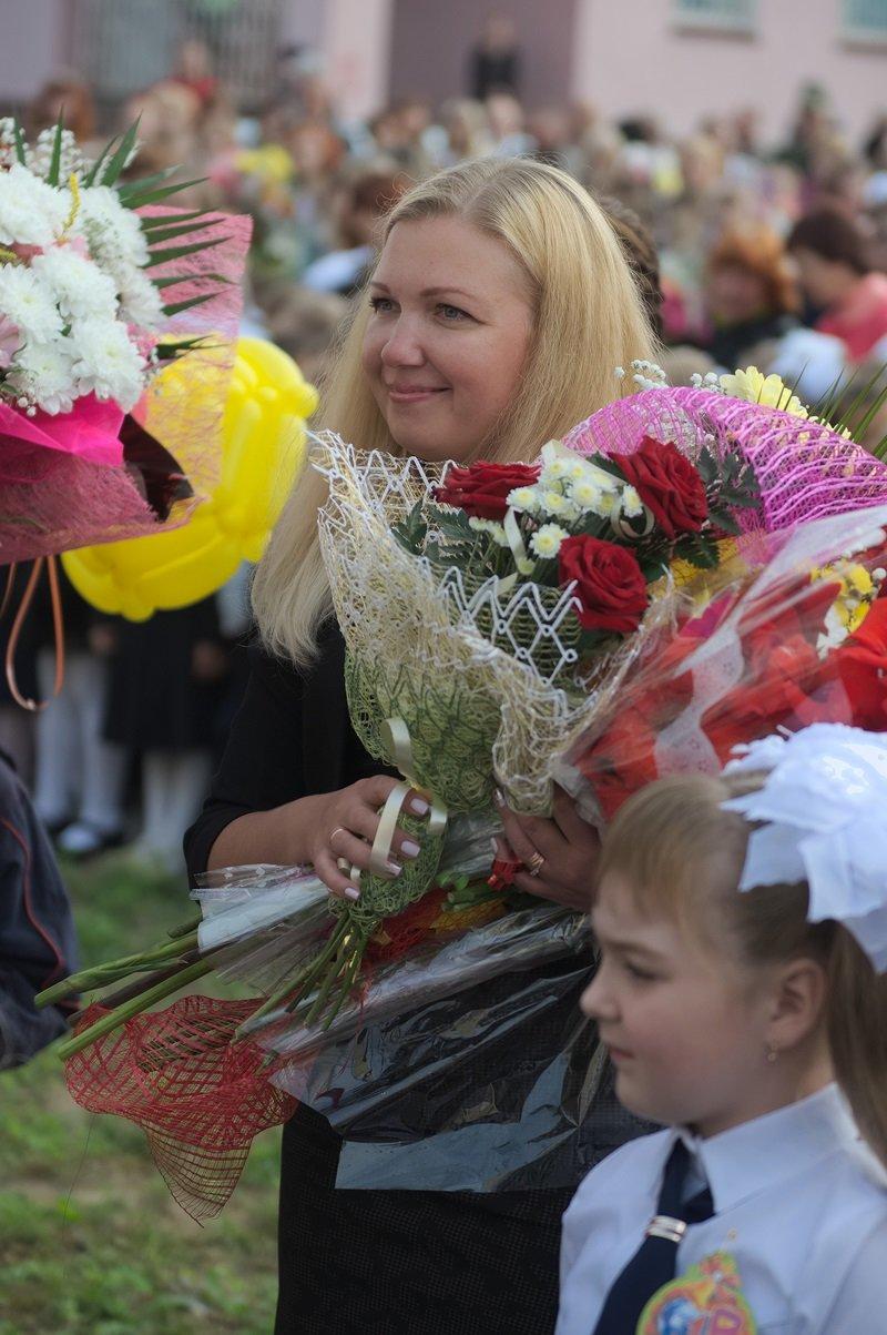 Цветы, банты, улыбки, слезы… Как в Полоцке и Новополоцке отметили День знаний, фото-4