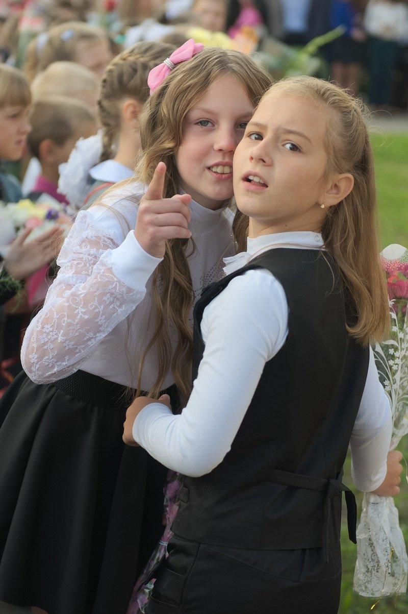 Цветы, банты, улыбки, слезы… Как в Полоцке и Новополоцке отметили День знаний, фото-8