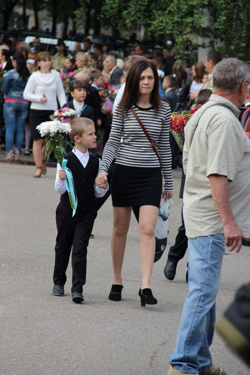 Цветы, банты, улыбки, слезы… Как в Полоцке и Новополоцке отметили День знаний, фото-14