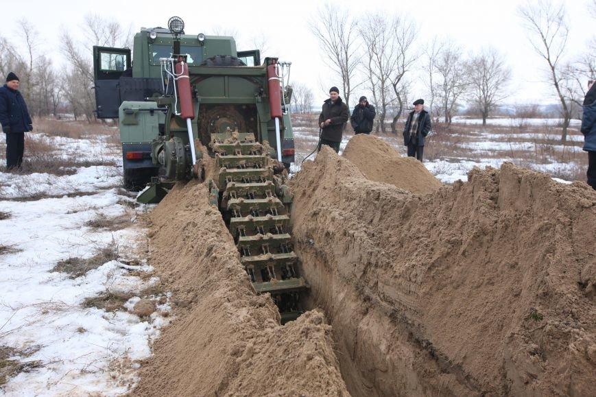 КрАЗ вместе с КВСЗ создали новую землеройную машину для ВСУ (ФОТО), фото-2