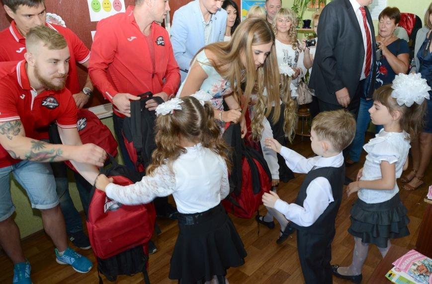 Фонд Бориса Колесникова поздравил детей с Днем знаний, фото-1