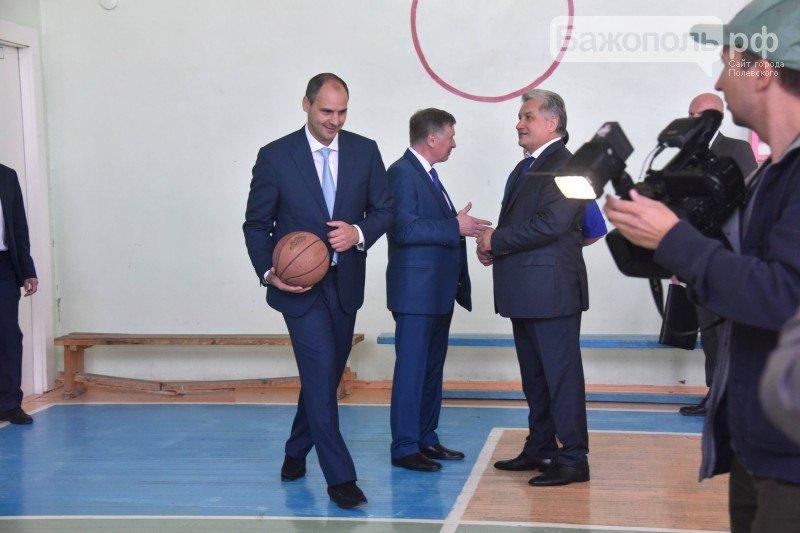 Председатель правительства Свердловской области поздравил полевских школьников с началом нового учебного года, фото-5