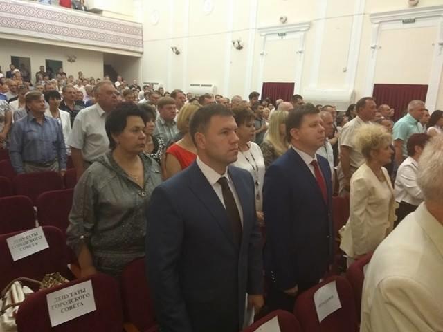 В Мариуполе началась внеочередная сессия горсовета (ФОТО+ВИДЕО+ДОПОЛНЯЕТСЯ), фото-1