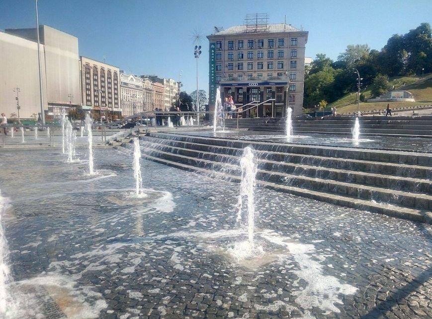 На Майдане открыли каскадный фонтан (ФОТО), фото-3