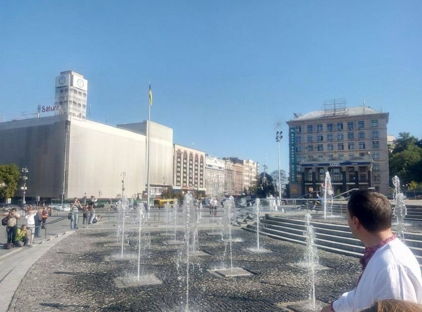 На Майдане открыли каскадный фонтан (ФОТО), фото-2