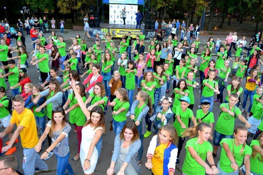День знаний в Краматорске прошел шоколадно, фото-1