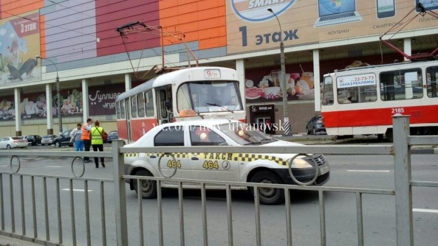 В Ульяновске еще один трамвай сошел с рельсов. ФОТО, фото-2