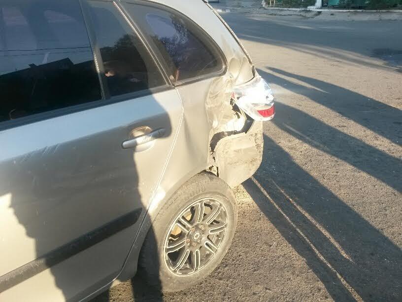 В Мариуполе на перекрестке пяти дорог столкнулись 3 автомобиля (ФОТО), фото-3