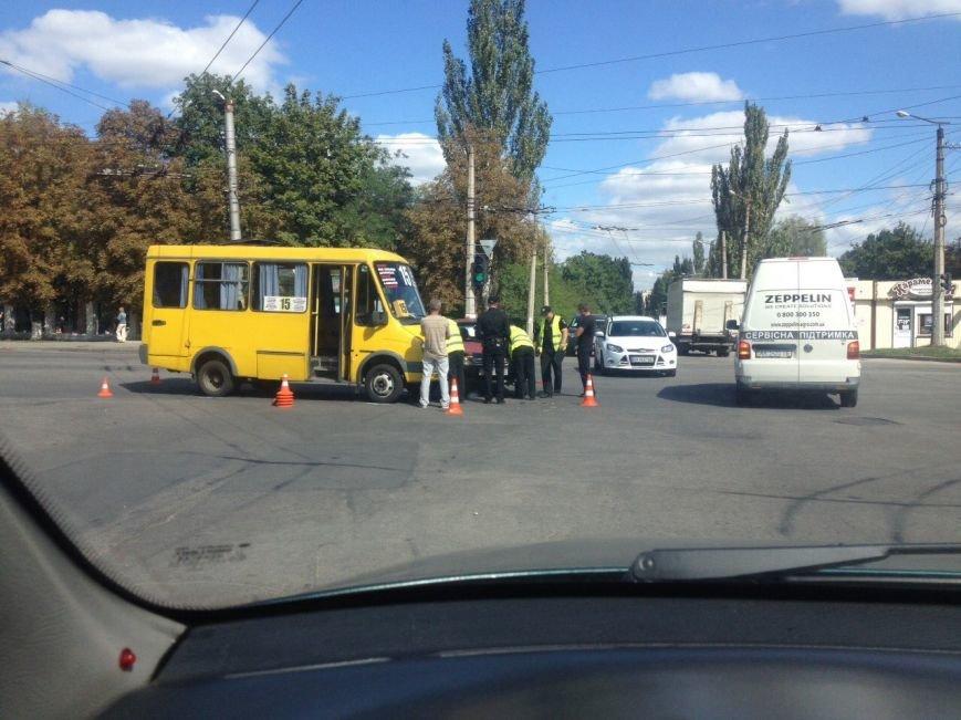 ДТП в Кропивницком: маршрутка врезалась в иномарку. ФОТО, фото-4