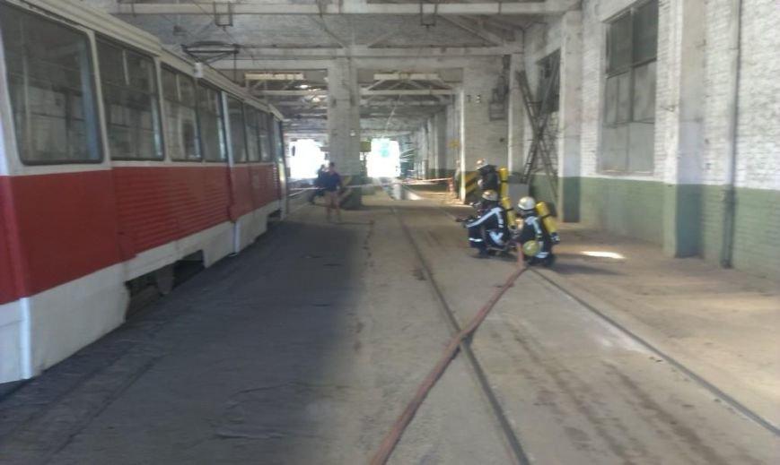 Криворожские пожарные на учениях в трамвайном депо спасли человека  (ФОТО), фото-9