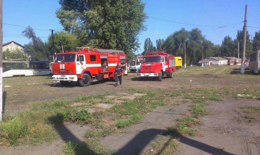 Криворожские пожарные на учениях в трамвайном депо спасли человека  (ФОТО), фото-1