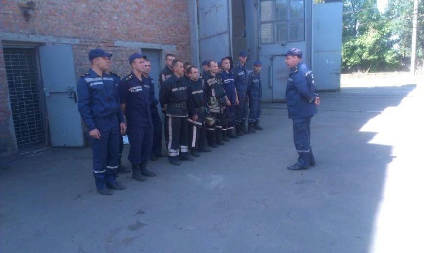 Криворожские пожарные на учениях в трамвайном депо спасли человека  (ФОТО), фото-8