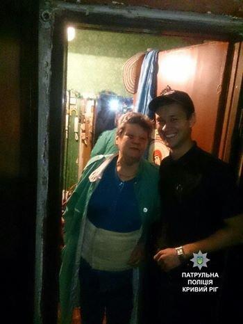 Полицейские залезли в квартиру пожилой криворожанки и спасли ее от комы (ФОТО), фото-3