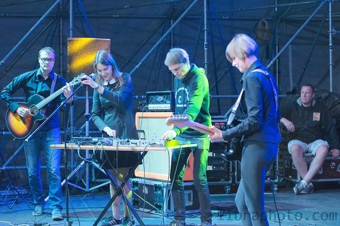 Рок-н-ролл жив! 15 самых ярких фото с рок-концерта в Новополоцке, фото-6