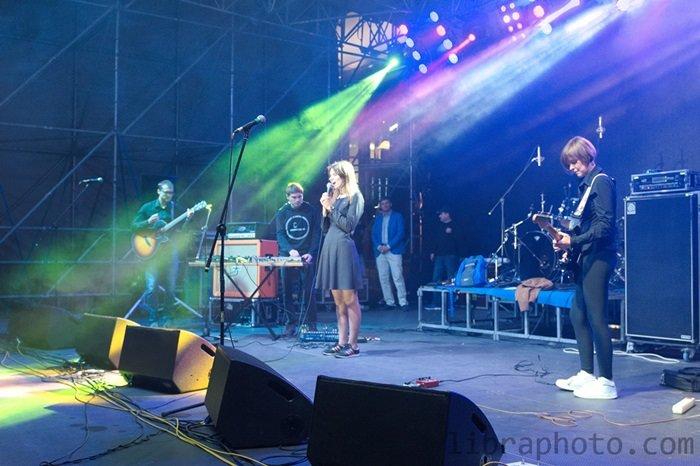 Рок-н-ролл жив! 15 самых ярких фото с рок-концерта в Новополоцке, фото-7