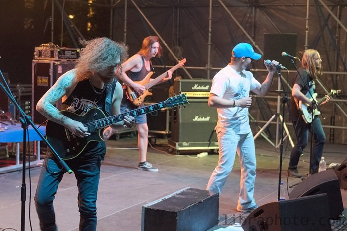 Рок-н-ролл жив! 15 самых ярких фото с рок-концерта в Новополоцке, фото-11