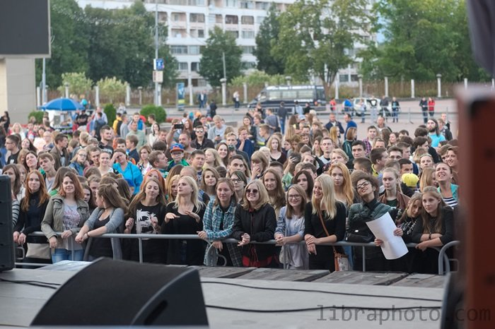 Рок-н-ролл жив! 15 самых ярких фото с рок-концерта в Новополоцке, фото-1