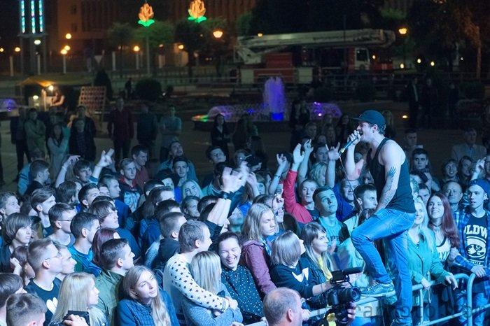 Рок-н-ролл жив! 15 самых ярких фото с рок-концерта в Новополоцке, фото-12