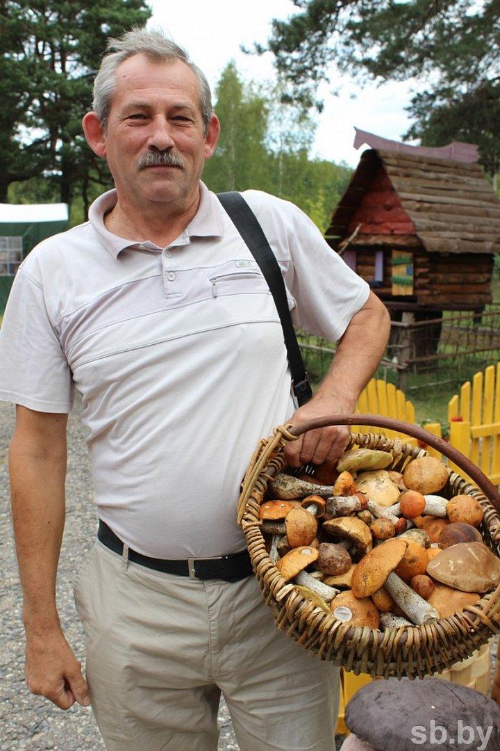 Пять тонн грибов собрали участники чемпионата под Полоцком. Фоторепортаж, фото-4