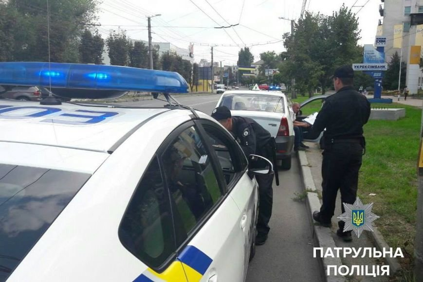 В городе поймали за рулем нетрезвого инструктора по вождению, фото-2
