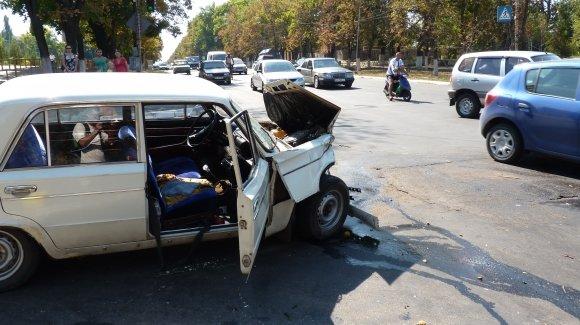 Три человека пострадали в аварии в Александрии, фото-1