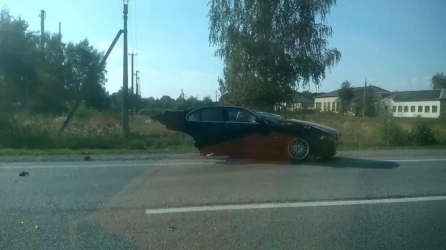 На Львівщині «BMW» на шаленій швидкості в'їхав в іномарку: від удару автомобіль розірвало навпіл (ФОТО), фото-8