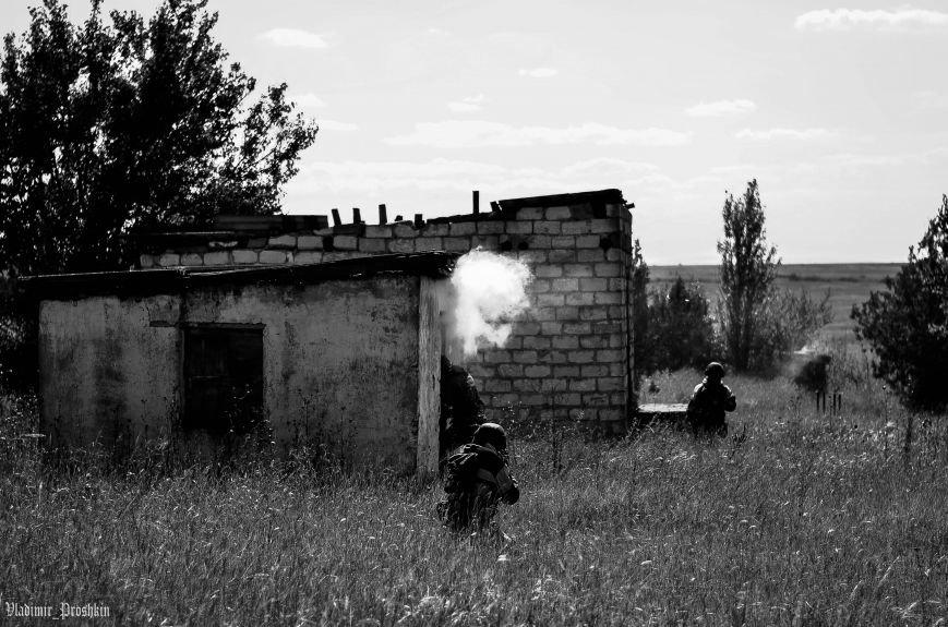 Под Симферополем пограничники показали, как надо бороться с террористами (ФОТОФАКТ), фото-1
