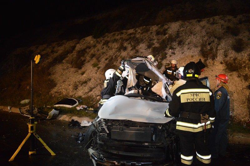 В ДТП на трассе Симферополь-Севастополь погибли три человека (ФОТО), фото-2