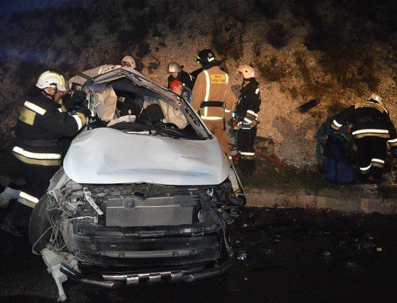 В ДТП на трассе Симферополь-Севастополь погибли три человека (ФОТО), фото-5