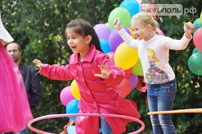 Первоклассники Полевского отметили начало учебного года ярким праздником, фото-12