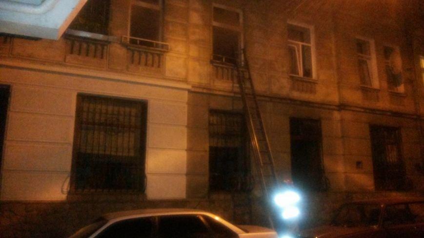 Вночі у центрі Львова горів житловий будинок (ФОТО), фото-2