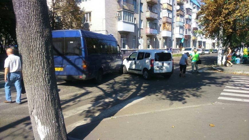 На перекрёстке улиц Сердюка и Маслова снова авария (ФОТО), фото-3