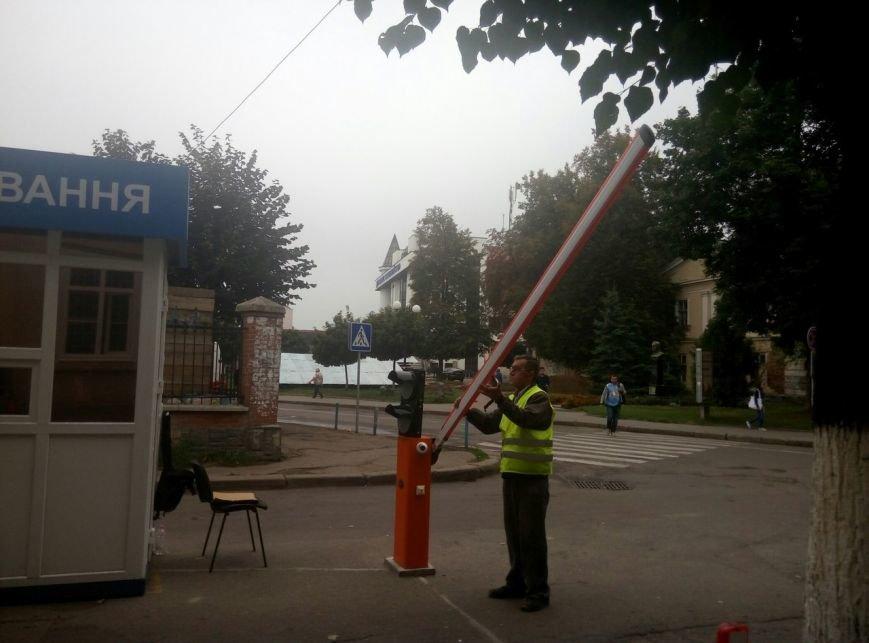 """Франківці іронізують щодо """"совкової роботи"""" паркувальної зони в центрі міста. Фото, фото-6"""