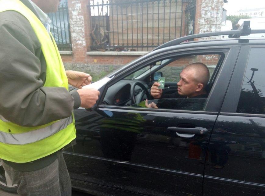 """Франківці іронізують щодо """"совкової роботи"""" паркувальної зони в центрі міста. Фото, фото-8"""