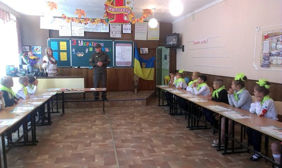Авдеевские полицейские провели превентивную работу среди школьников (ФОТО), фото-3
