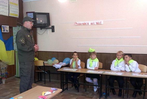 Авдеевские полицейские провели превентивную работу среди школьников (ФОТО), фото-2