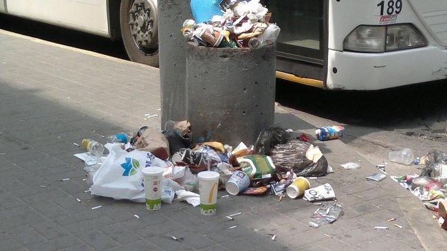Фото_3 Центр города в грязи и мусоре