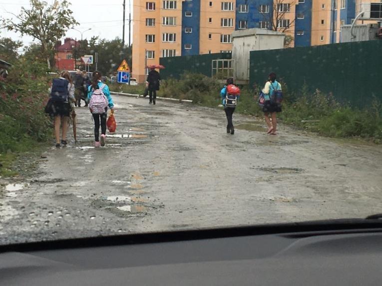 Дети Южно-Сахалинска рискуют по пути в школу и обратно домой, фото-2