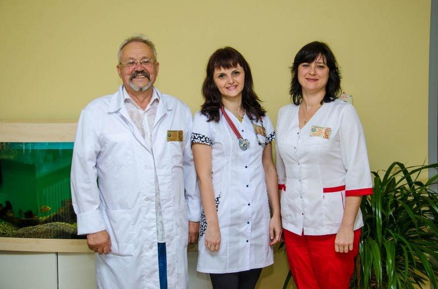 6 турботливі лікарі.