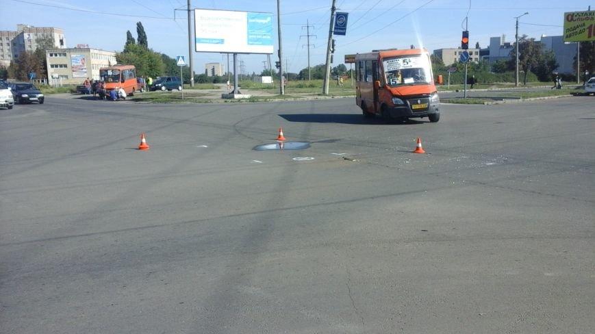 ДТП в Кропивницком: маршрутка врезалась в автомобиль (ФОТО), фото-2